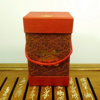Подарочная банка №6 на 150 грамм (бордовая)